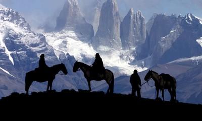 cabalgata-torres-del-paine-caballos-mirador
